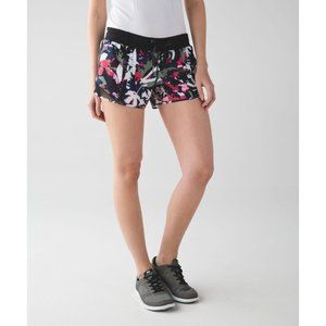 LULULEMON Hotty Hot Short Long 8 Pop Cut Boom